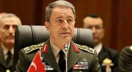 Ο Ακάρ καλεί τη Δαμασκό να σταματήσει τις επιθέσεις στην Ιντλίμπ