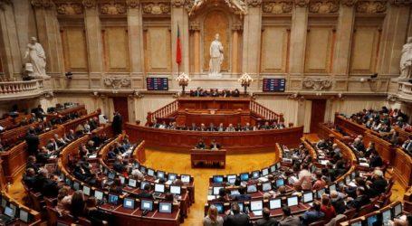 Καταψηφίστηκε από το κοινοβούλιο η πρόταση για αυξήσεις στους μισθούς των εκπαιδευτικών