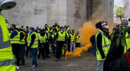 Μειωμένος ο αριθμός των διαδηλωτών, συγκρούσεις στη Λιόν και τη Νάντη