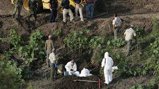 Οι αρχές εντόπισαν τρεις μυστικούς τάφους με συνολικά 35 πτώματα