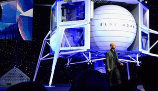 Το σκάφος του Μπέζος που θα πάει στην Σελήνη