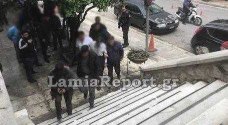 Ξεδιπλώνεται η ιστορία φρίκης στα δικαστήρια Λαμίας, με τον πατέρα που εξέδιδε την ΑμΕΑ κόρη του