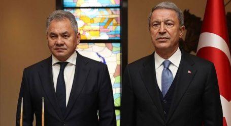 O Ακάρ και ο Ρώσος ομόλογός του συζήτησαν την ένταση στο Ιντλίμπ