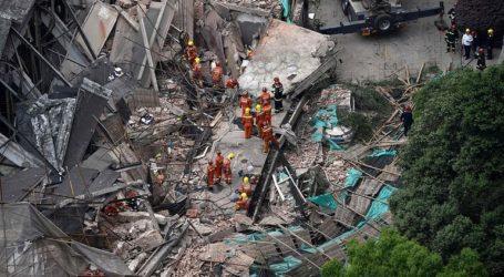 Εννέα άνθρωποι παραμένουν παγιδευμένοι-11 ανασύρθηκαν ζωντανοί