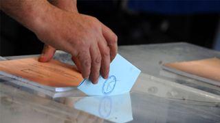 Ποιοι δικαιούνται ειδική άδεια από τη δουλειά τους για να ψηφίσουν