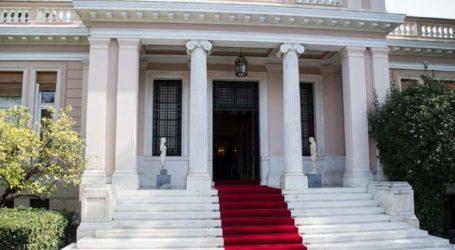 Ενθαρρύνουμε τον κ. Μαρινάκη να δώσει κι άλλες συνεντεύξεις, δικαιούται και διακαναλική