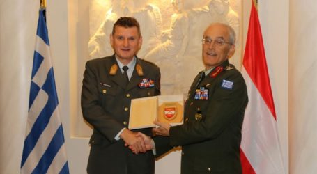 Tη συνεργασία Ελλάδας-Αυστρίας σε επίπεδο Στρατού Ξηράς συζήτησαν οι αρχηγοί ΓΕΣ των δύο χωρών