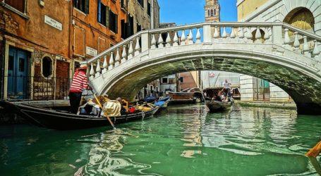 Πρόστιμα στις ιερόδουλες και στους «ασεβείς» τουρίστες θα επιβάλλει ο δήμος της Βενετίας