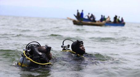 Εννέα νεκροί και δεκάδες αγνοούμενοι έπειτα από ανατροπή σκάφους