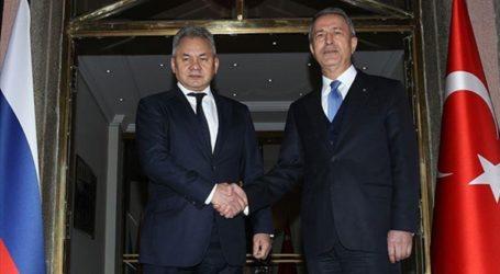 Οι υπουργοί Άμυνας Τουρκίας-Ρωσίας συνομιλούν στο τηλέφωνο για την Ιντλίμπ
