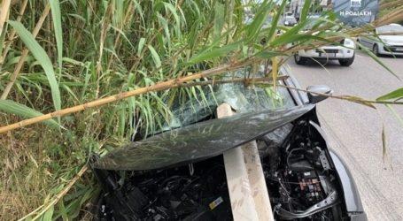 Ρόδος: Προστατευτικό κιγκλίδωμα διαπέρασε αυτοκίνητο