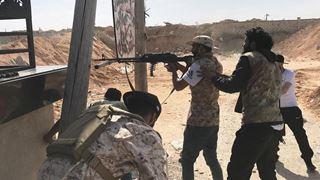 Σφοδρές μάχες νότια της Τρίπολης, φόβοι για έναν «μακρόχρονο» πόλεμο