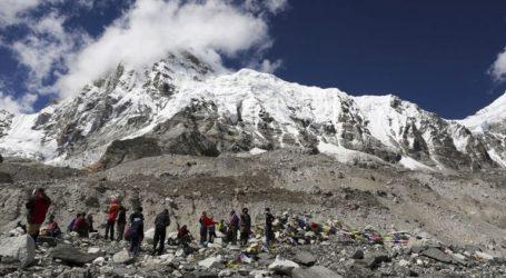Ακόμη τρεις νεκροί ορειβάτες στο Έβερεστ