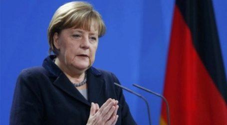 «Το Βερολίνο θα συνεχίσει να εργάζεται για ένα συντεταγμένο Brexit και μετά την παραίτηση της Μέι»