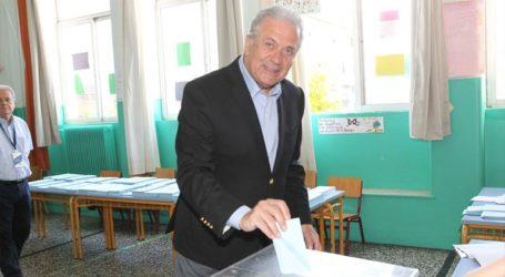 Στο Παγκράτι ψήφισε ο Ευρωπαίος Επίτροπος Δ. Αβραμόπουλος