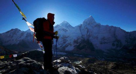 Αμερικανός ορειβάτης έχασε τη ζωή του κατά την κατάβαση από το Έβερεστ