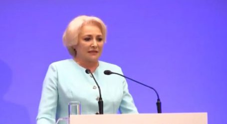 Η πρωθυπουργός ανακοίνωσε ότι δεν πρόκειται να παραιτηθεί