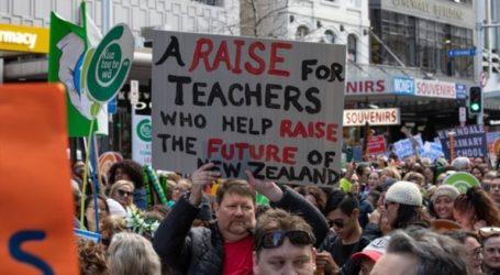 Σε εξέλιξη η μεγαλύτερη απεργία στην εκπαίδευση στην ιστορία της χώρας