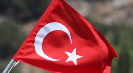 Η Τουρκία οφείλει να απελευθερώσει δύο εκπαιδευτικούς που κατηγορούνται για δεσμούς με το δίκτυο Γκιουλέν