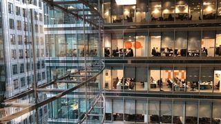 Το Λονδίνο διευρύνει τη λίστα μεταναστών για να καλύψει κενές θέσεις εργασίας