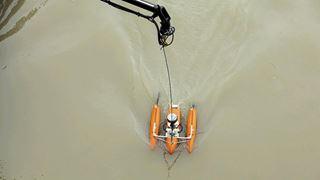 «Εξαιρετικά επικίνδυνες» οι επιχειρήσεις έρευνας για το ναυάγιο στον Δούναβη