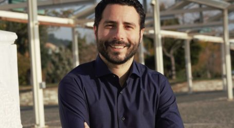 Ιάσονας Αποστολάκης: Ο Αχ. Μπέος απέδειξε ότι μπορεί να συνομιλεί μόνο με τον εαυτό του