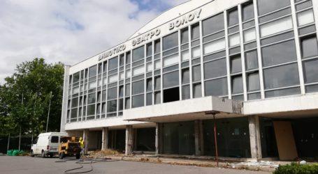 Ξεκίνησαν οι εργασίες ανακατασκευής του Δημοτικού Θεάτρου Βόλου [εικόνες]