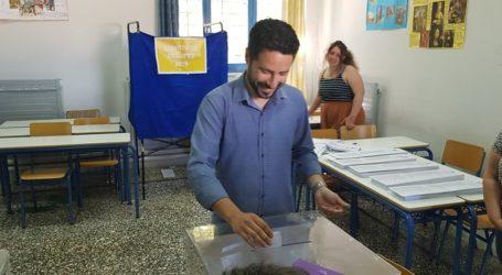Ψήφισε ο Ιάσονας Αποστολάκης [εικόνες]