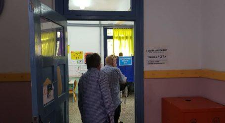 Εκλογές: Μειωμένο το ενδιαφέρον στον Βόλο – Περισσότεροι ψηφοφόροι στη Ν. Ιωνία  [εικόνες]