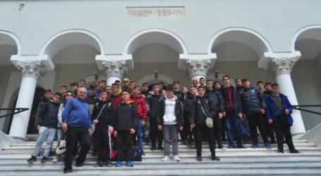 Το Άγιο Όρος επισκέφθηκε το 5ο Γυμνάσιο Λάρισας