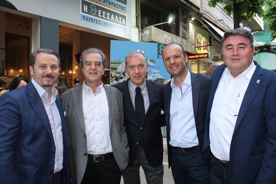 Στο εκλογικό κέντρο του Κ. Αγοραστού το βράδυ της Τετάρτης ο φακός του onlarissa.gr