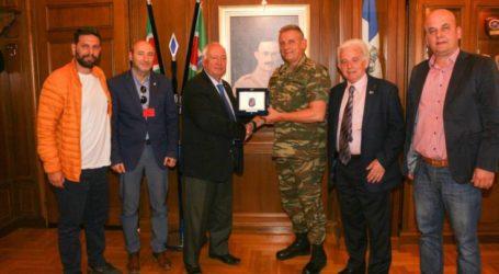 Στον διοικητή της 1ης Στρατιάς ο Σύνδεσμος Εφέδρων Αξιωματικών ν. Λάρισας
