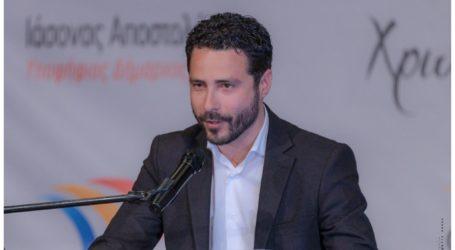 Ιάσονας Αποστολάκης: «Ολοφάνερες οι σχέσεις ανάμεσα στο μαύρο του Μπέου και στο κατάμαυρο της Χρυσής Αυγής»
