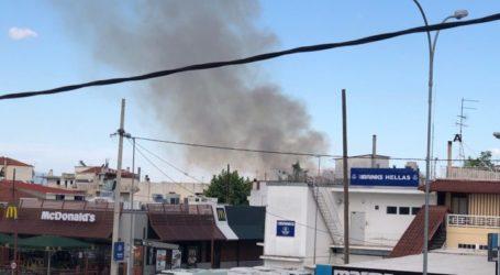 Συναγερμός στην Πυροσβεστική στη Λάρισα για φωτιά στην περιοχή της οδού Βόλου (φωτο)