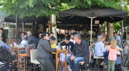 Στα cafe γιόρτασαν τον Πολιούχο τους οι Λαρισαίοι (φωτο)