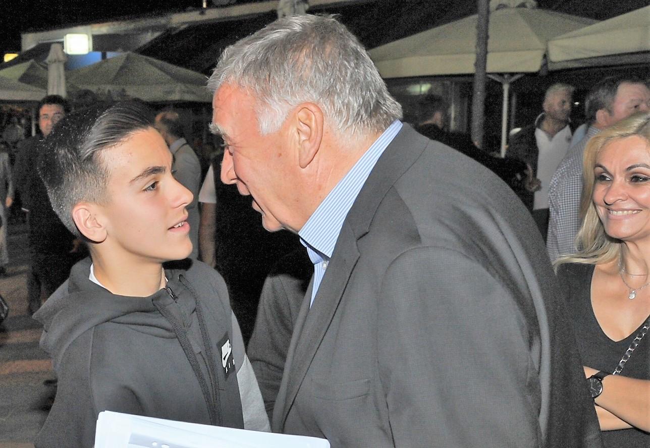 Νασιακόπουλος σε ογκώδη συγκέντρωση στον Πλατύκαμπο: «Δήμαρχος επιλογή των πολιτών ή των κομμάτων, το διακύβευμα των εκλογών»
