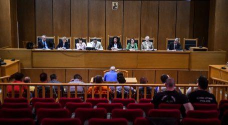 Συνέχεια της δίκης για τον φόνο Φύσσα: «Τους προδότες τους σκοτώνουμε»