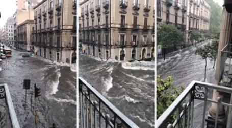 Πλημμύρισαν οι δρόμοι στην Κατάνια της Σικελίας