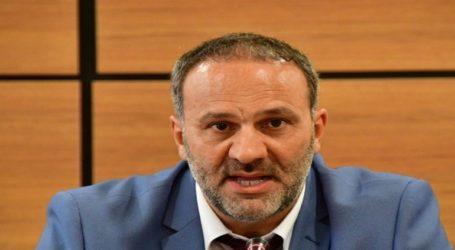 Ξυλοκόπησαν τον πρώην υπουργό Νίκο Μαυραγάνη σε εκλογικό κέντρο