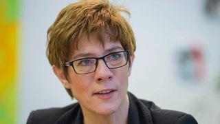 Καρενμπάουερ: «Στηρίζουμε τον μεγάλο συνασπισμό»