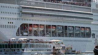 Το ναυτικό ατύχημα στη Βενετία άνοιξε έναν νέο κύκλο αντιπαράθεσης μεταξύ της Λέγκα και του Κινήματος Πέντε Αστέρων
