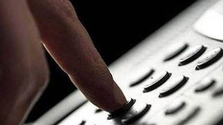 Εξαρθρώθηκε σπείρα που προέβαινε σε τηλεφωνικές απάτες