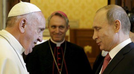Ο πάπας Φραγκίσκος θα δεχθεί τον Πούτιν στις 4 Ιουλίου