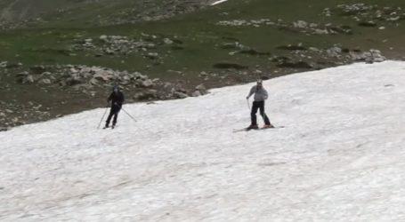 Στο χιονοδρομικό κάνουν ακόμη σκι!