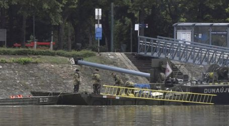 Τέσσερα πτώματα εντοπίστηκαν στο πλοίο που βυθίστηκε στον Δούναβη