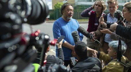Ο εικαστικός Άι Ουέιουεϊ επισκέφθηκε τον Ασάνζ στο νοσοκομείο της φυλακής