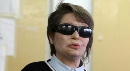 Η Κωνσταντίνα Κούνεβα εκφράζει την ανησυχία της για τα δικαιώματα των εργαζομένων