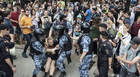 Η Διεθνής Αμνηστία καταδικάζει τις μαζικές συλλήψεις διαδηλωτών στη Μόσχα