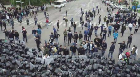 Δεκάδες συλλήψεις στις διαδηλώσεις κατά του νέου προέδρου Τοκάγεφ