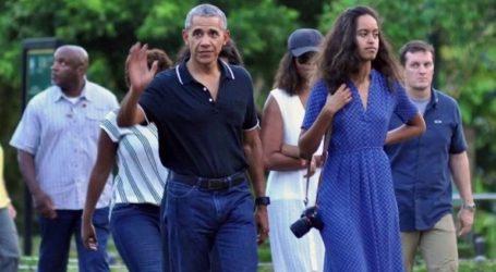 Οι Ομπάμα για οικογενειακές διακοπές στη νότια Γαλλία